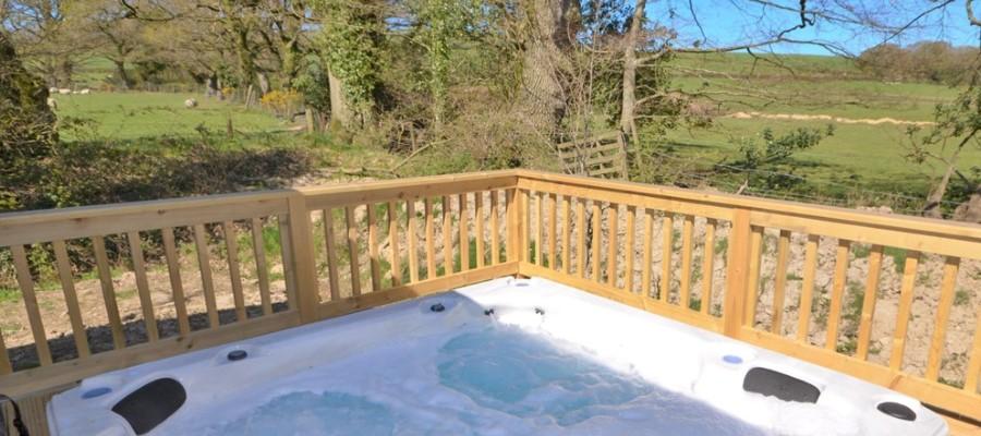 Elm Lodge Hot Tub