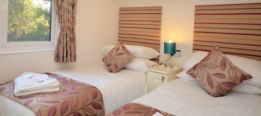 Elm Lodge Twin Bedroom no2