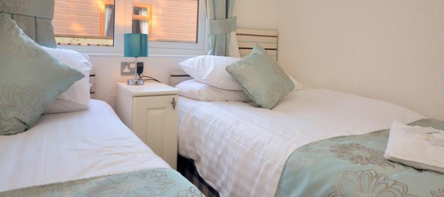 Elm Lodge Twin Bedroom